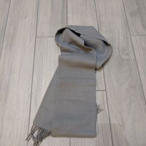 BR Gray scarf